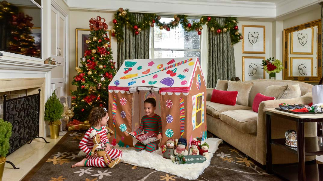 holiday package gingerbread playhouse - Night Before Christmas Decorations