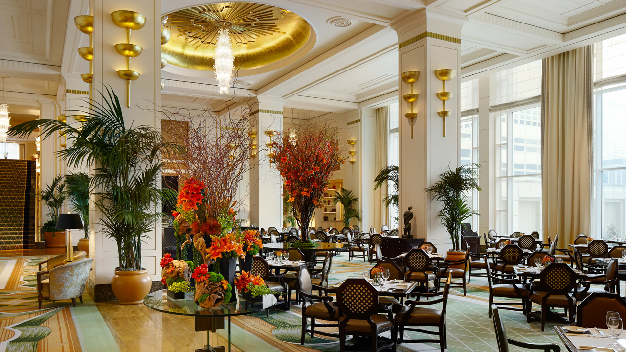 The lobby restaurant the peninsula chicago for Nice hotels in chicago